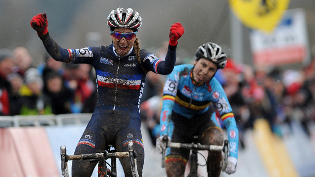 Sanne Cant (Rear) could only look on as Pauline Ferrand-Prevot won the Cyclo-Cross world championship (AAP)