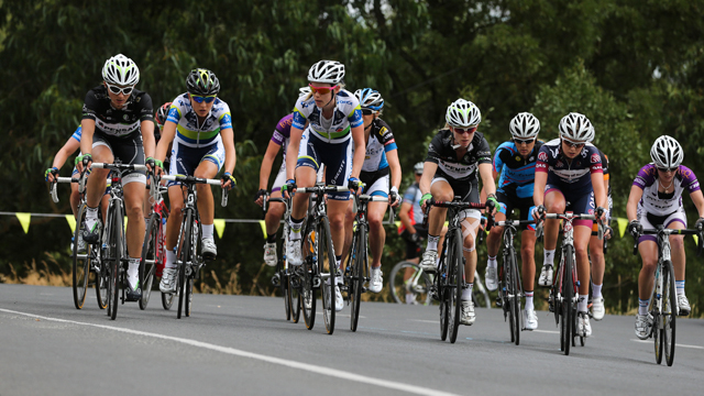 The women's road race peloton at the Mars Cycling Australia Road National Championships (Mark Gunter)