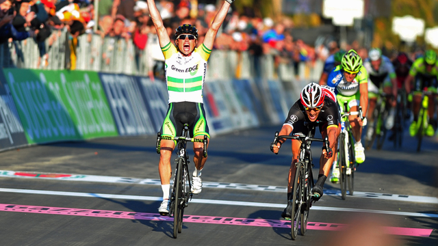 Simon Gerrans wins Milan-San Remo by half a wheel ahead of Fabian Cancellara (Sirotti)