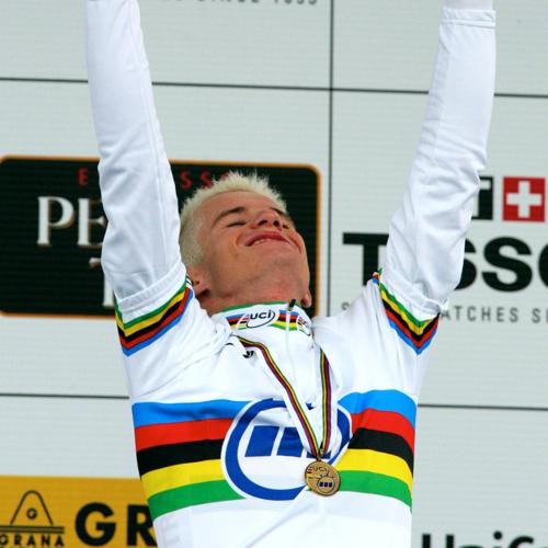 http://media.sbs.com.au/cyclingcentral/upload_media/3801_rogers-500-getty-2004-ttworlds.jpg