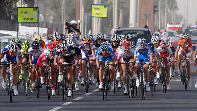 The peloton at the 2013 Ladies Tour of Qatar (Reuters)