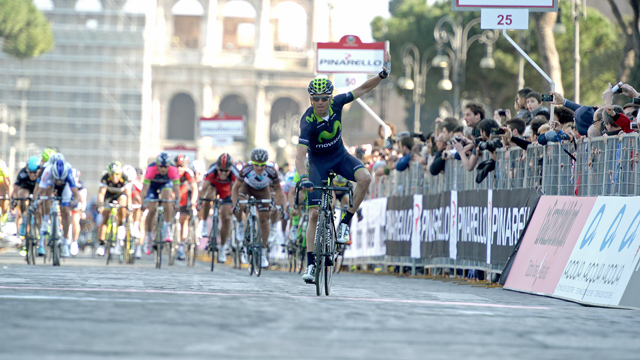 Alejandro Valverde celebrated his Roma Maxima victory in the shadows of the Colosseum (Sorotti)