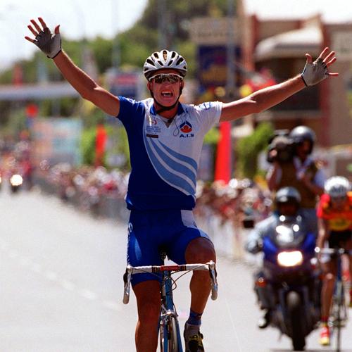 http://media.sbs.com.au/cyclingcentral/upload_media/8003_rogers-500-getty-2000-tdu.jpg