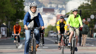Perceptions continue to hinder the take-up of cycling (Image: Getty)