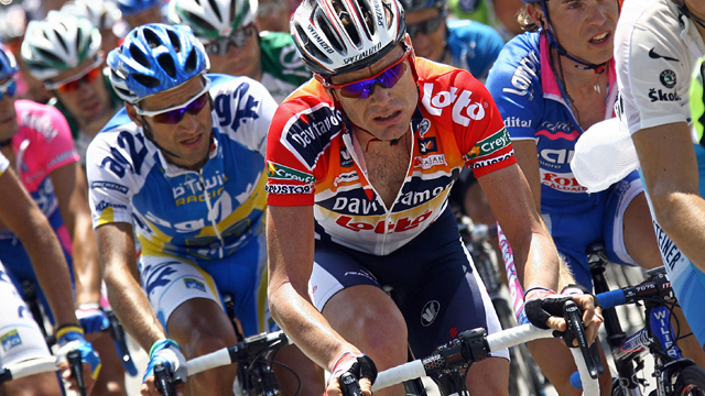 Cadel Evans rode for Davitamon-Lotto the last time he lined up for a National Championship in 2005. (Getty Images)