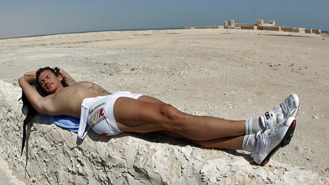 Presumably the real Pippo Pozzato catching a few rays at the 2010 Tour of Qatar (Getty)