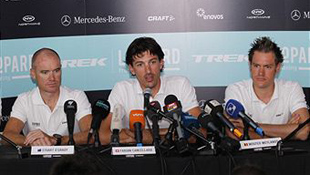 Wouter Weylandt (R) with teammates Stuart O'Grady (L) and Fabian Cancellara at a press conference prior to the Tour of Flanders (image: Getty)