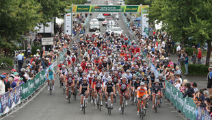 Riders roll out at the start of the Australian Road Championships (Image: John Veage)