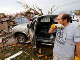 Worried parents seek kids after US tornado