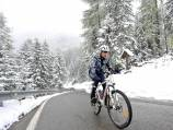 Chaotic end as Giro hit by snow