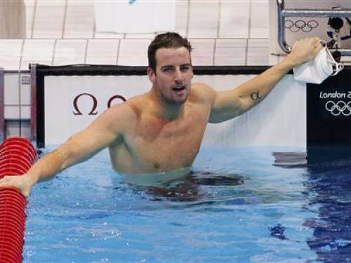 Australian swimmer James Magnussen comes second by a fingertip in the Olympic 100m freestyle swimming gold in London.(AAP)