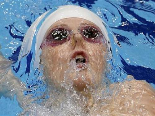 Missy Franklin of the U.S. swims in her women's 200m backstroke heat during the London 2012 Olympic Games at the Aquatics Centre August 2, 2012. REUTERS/Jorge Silva