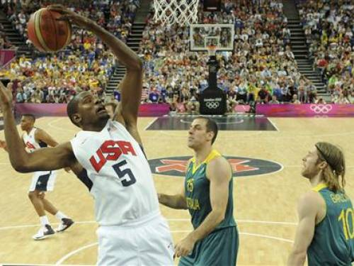 Kevin Durant of the U.S. jumps for the ball during his team's London 2012 Olympic Games men's quarterfinal basketball match against Australia in London on August 8, 2012. REUTERS /Mark Ralston/POOL