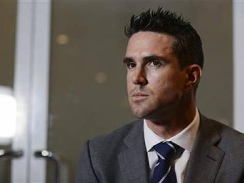 England cricketer Kevin Pietersen attends a news conference where it was announced that he has signed a new England contract, at the Cinnamon Lakeside hotel in Colombo October 3, 2012. REUTERS/Philip Brown