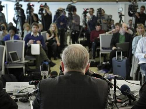 International Cycling Union (UCI) president Pat McQuaid (C) speaks to media during a news conference on the Lance Armstrong doping scandal in Geneva October 22, 2012. REUTERS/Denis Balibouse
