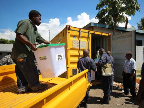 Kidnappers demanded election manager Cleopas Roa stop counting votes indefinitely for the Enga regional seat before they would release his son. (Getty Images)