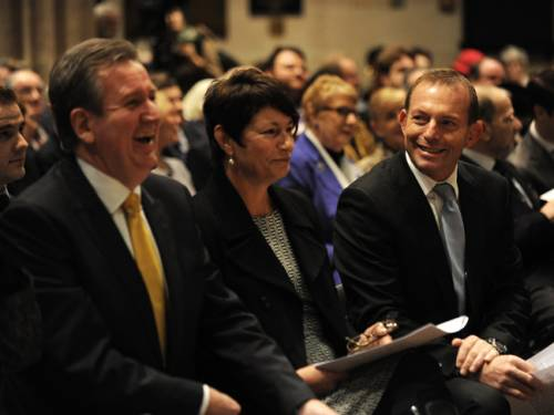 Opposition leader Tony Abbott (r) with his wife Margie Abbott and NSW premier Barry O'Farrell at a Diamond Jubilee celebration in Sydney. (AAP)