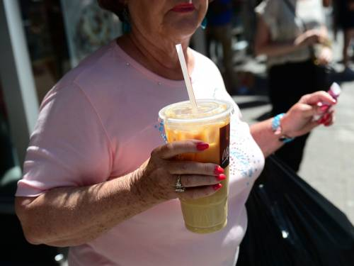 New research strengthens the case against soft drinks and other sugary drinks as culprits in the obesity epidemic. (Getty)