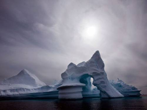 NASA said that even the area near the highest point of the ice sheet, located three kilometres above sea level, showed signs of melting. (AAP)