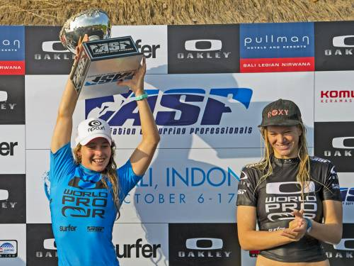 Victorian surfer Nikki van Dijk (L) has won the junior women's world title in Bali. (AAP)