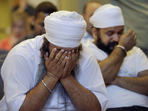 Officials say the gunman who killed six people at a Sikh temple in the US was a frustrated neo-Nazi. (AAP)