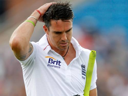 England captain Alastair Cook says the future of star player Kevin Pietersen (pic) must be resolved. (AAP)