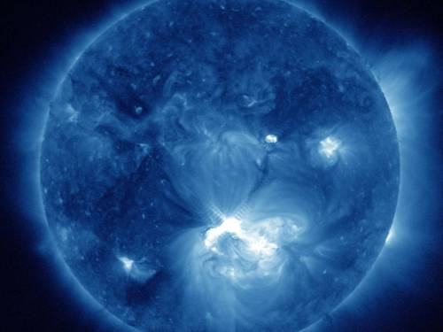 A solar storm is due to arrive on Saturday morning slamming into Earth's magnetic field. (AAP)