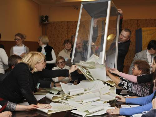 Observers have slammed Ukraine's legislative elections as a setback for the country's democracy. (AAP)