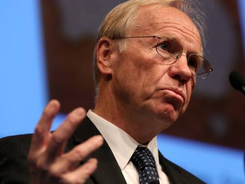 Former Qld premier Peter Beattie says Australians need to accept the need for Chinese investment. (AAP)