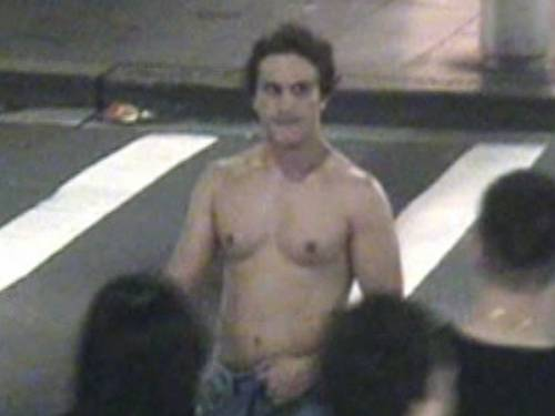 A Sydney police officer says he felt justified in tasering Brazilian man Roberto Laudisio Curti. (AAP)