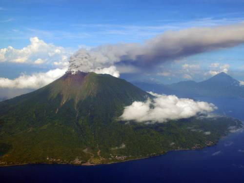 A volcano has erupted in eastern Indonesia, spewing ash as high as one kilometre into the air. (AAP)