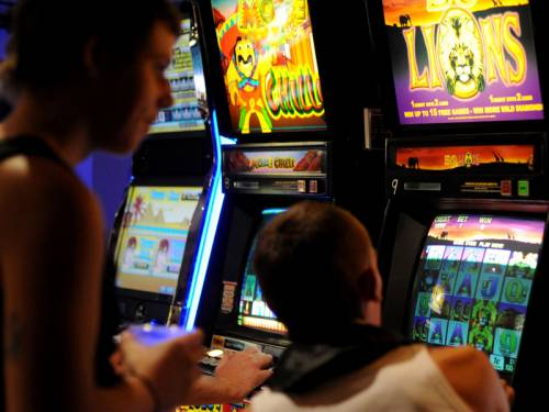 Gaming firm Tabcorp is seeking $686.8 million in compensation from the Victorian government. (AAP)