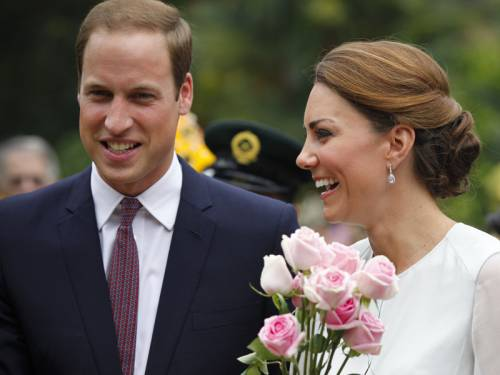 Britain's royals have welcomed the decision by a French court to ban topless pictures of Kate. (AAP)