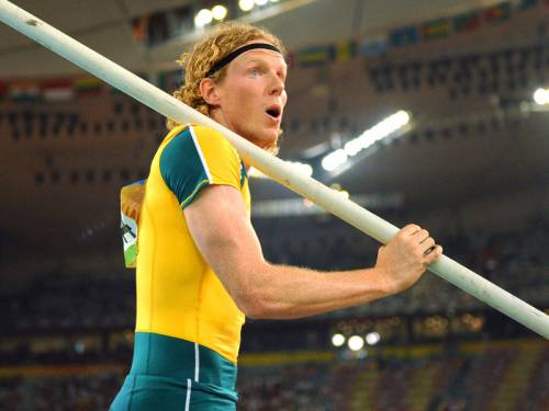 Aussie pole vaulter Steve Hooker admits a medal at the London Olympics is not a realistic ambition. (AAP)