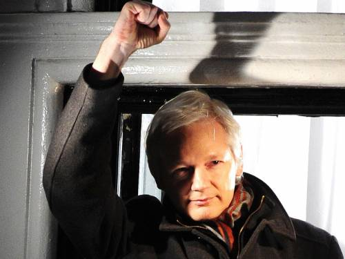 WikiLeaks founder Julian Assange will run for a Senate seat, a tweet from the infamous website says. (AAP)