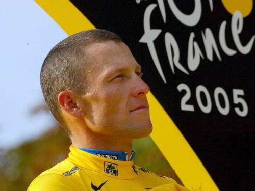 Cycling's governing body has agreed to strip Lance Armstrong of his seven Tour de France titles. (AAP)