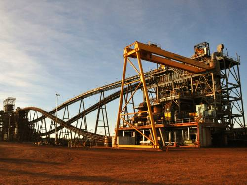 Iron ore miner Fortescue Metals Group has increased its new credit facility to $A4.90 billion. (AAP)