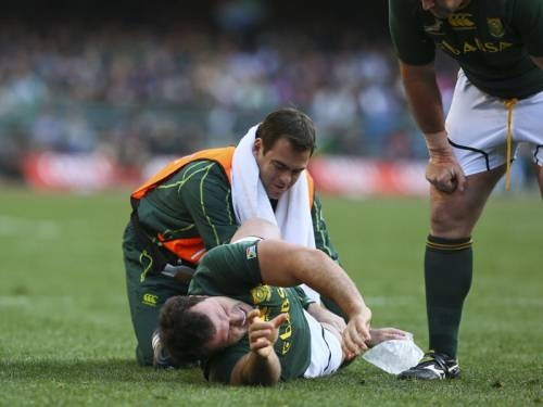 South Africa's Bismarck du Plessis needs surgery and has been ruled out for the rest of the season. (AAP)