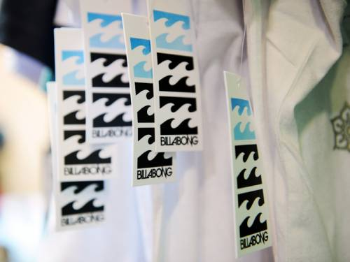 Billabong says takeover talks with TPG are continuing despite concern the firm may withdraw its bid. (AAP)