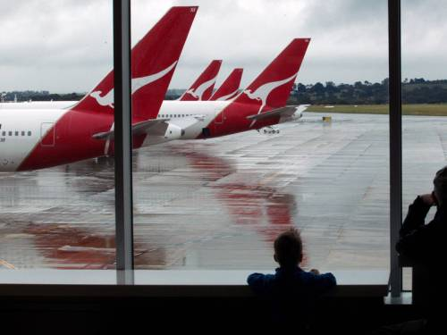 Qantas has begun selling flights to London via Dubai as it revises its international schedule. (AAP)
