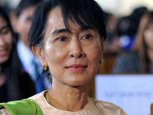 Burma's opposition leader Aung San Suu Kyi has called for her once-banned party to unify. (AAP)