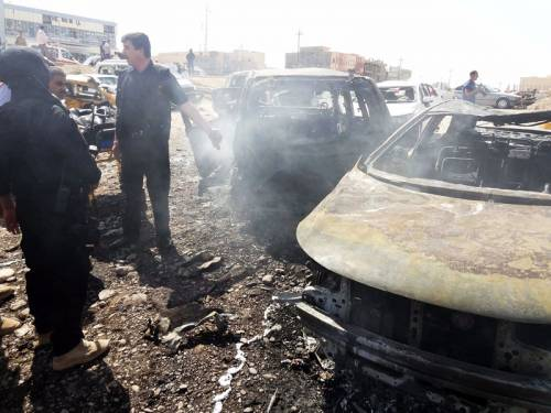 Three bomb attacks in a northern Iraqi city have killed eight civilians and injured 70 others. (AAP)