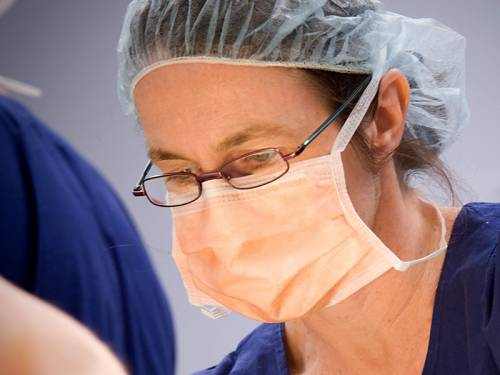 Queensland nurses fear for their jobs after 45 positions were axed in Townsville, a union says. (AAP)