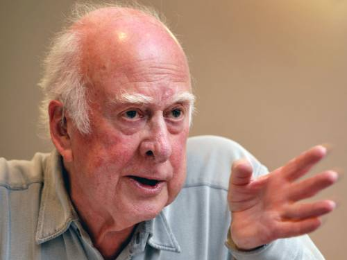 British physicist Stephen Hawking says the Nobel Prize should be given to Peter Higgs (pic). (AAP)
