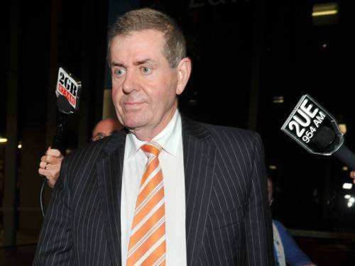 Speaker Peter Slipper has apologised for the content of a series of text messages sent to a staffer. (AAP)