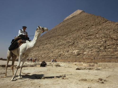 Egypt will close the Great Pyramid of Giza to avoid any rituals by a group ...