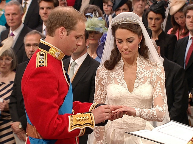 kate william wedding ring. William and Kate marry