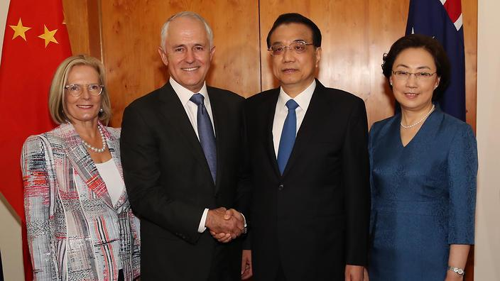 Prime Minister Malcolm Turnbull welcomes Premier Li Keqiang at Parliament House in Canberra