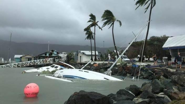 Bild der Zerstörung: Segelboote in Airlie Beach
