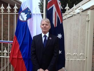 Derry Maddison, častni konzul Republike Slovenije za Viktorijo